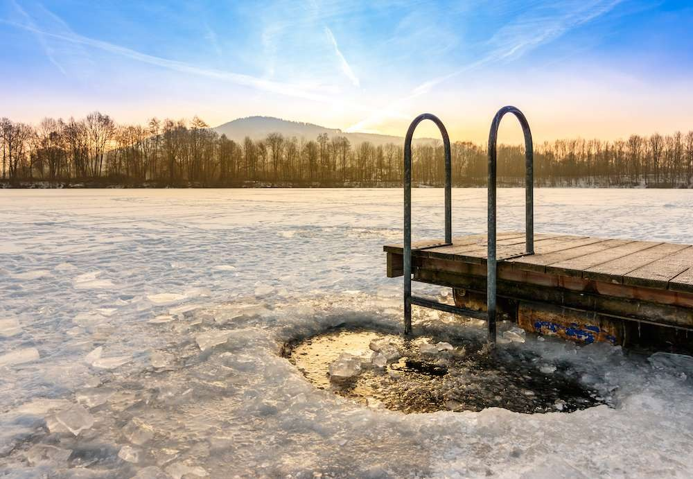 unlocking-the-potential-of-cryotherapy-a-complementary-treatment-for-mood-disorders